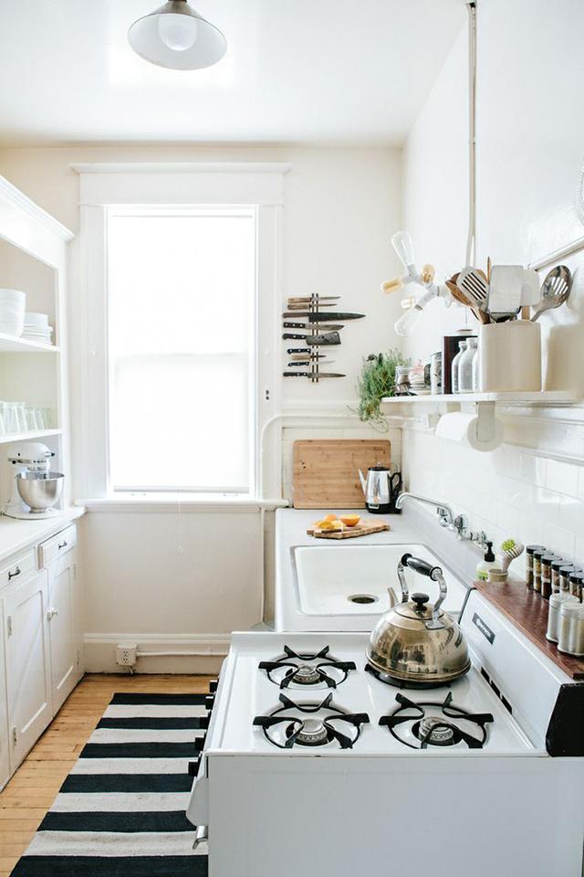 Kitchen black white green