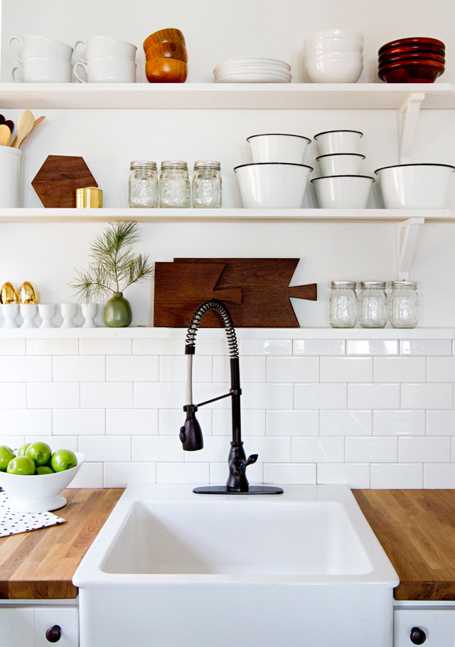 cabin-kitchen-101sm2